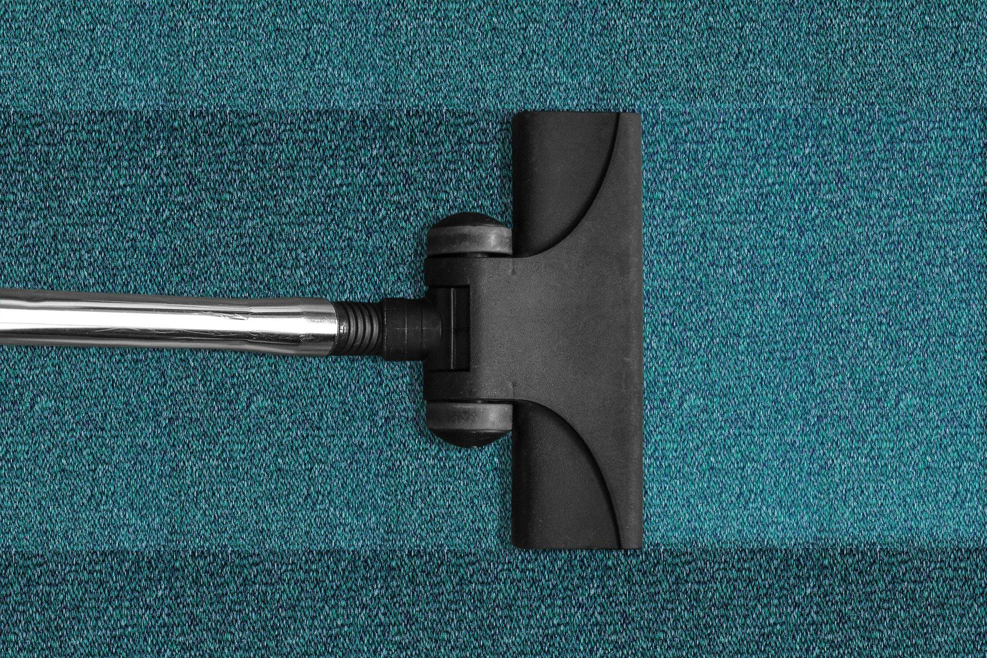 Consejos para limpiar tus alfombras y moquetas